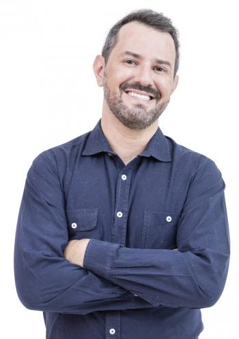 Jean Pierre Bedouch - Cirurgião-Dentista  Implantodontia   |   Periodontia   |   Harmonização Orofacial  Odontologia Estética - CRO - MG 25914