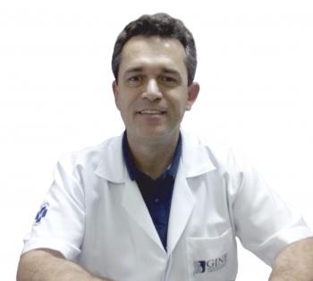 Dr. Fabian Silveira Lemos  CRM 27744 - RQE Nº 27418 - RQE N° 31479 Médico da Santa Casa de Passos desde 1998