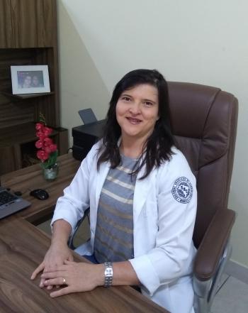 Dra Kenia Lemos Flores Cardiologista - Médica Nuclear CRM 36866   RQE 43536   RQE 39155