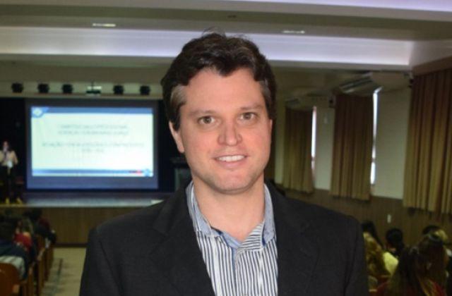 DR. MATHEUS SCHMIDT SOARES - NEUROLOGISTA