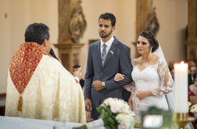 Rodrigo Olegário Cruz e Beatriz Rodrigues Faria