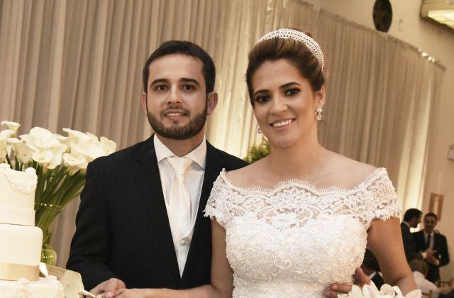Cássio Abreu Vieira e Kellen Cristina Garcia