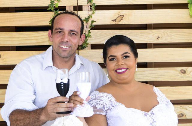 Adriano Carlos da Silva e Brenda Assis Pereira Brito