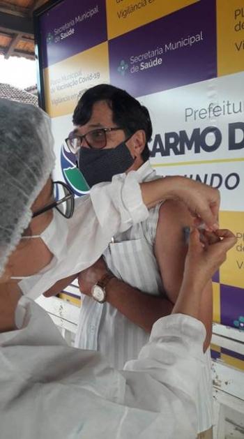Paulinho Carielo tamb�m recebeu a 1� dose, na segunda.