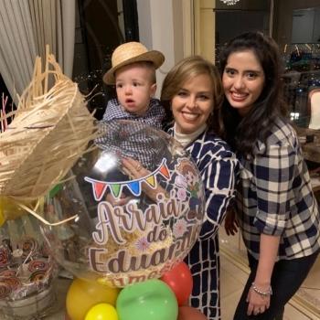 Eduardo com titia Petty Engel e mamma Muryel Nunes.